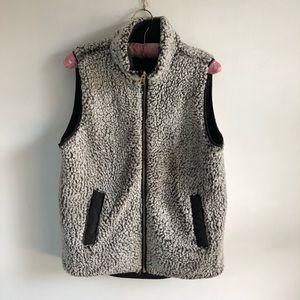 Reversible Sherpa Quilted Zip Black Zip Up Vest
